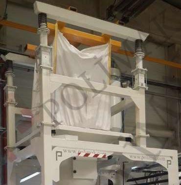 Big bag hanging unit for bulk bag emptying station