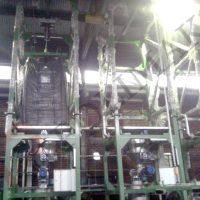 Jumbo bag unloading weighing dosing systems