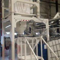 Mixer filling by screw conveyor and big bag unloading unit
