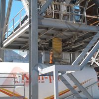Telescopic chute tanker truck loading bellow