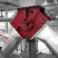 Flap diverter valve gravity discharge manual control bulk solids handling
