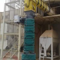 Telescopic Bulk material loading chute for trucks